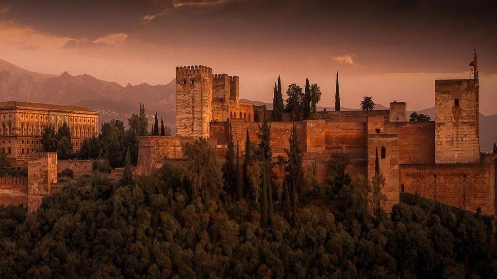 Visitar el monumento de la Alhambra